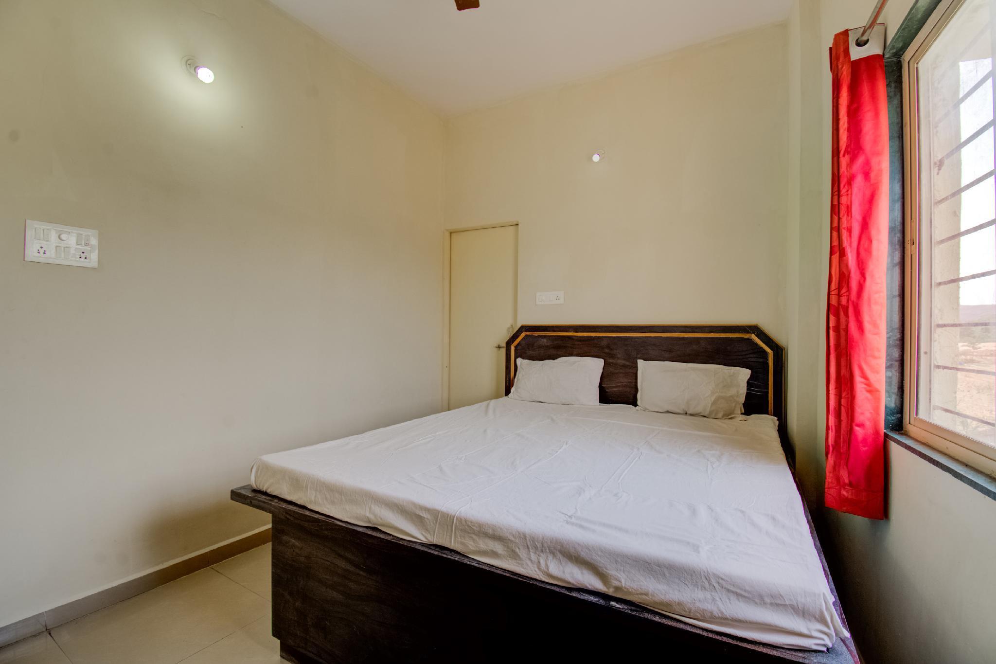 SPOT ON 63597 Navanya Inn