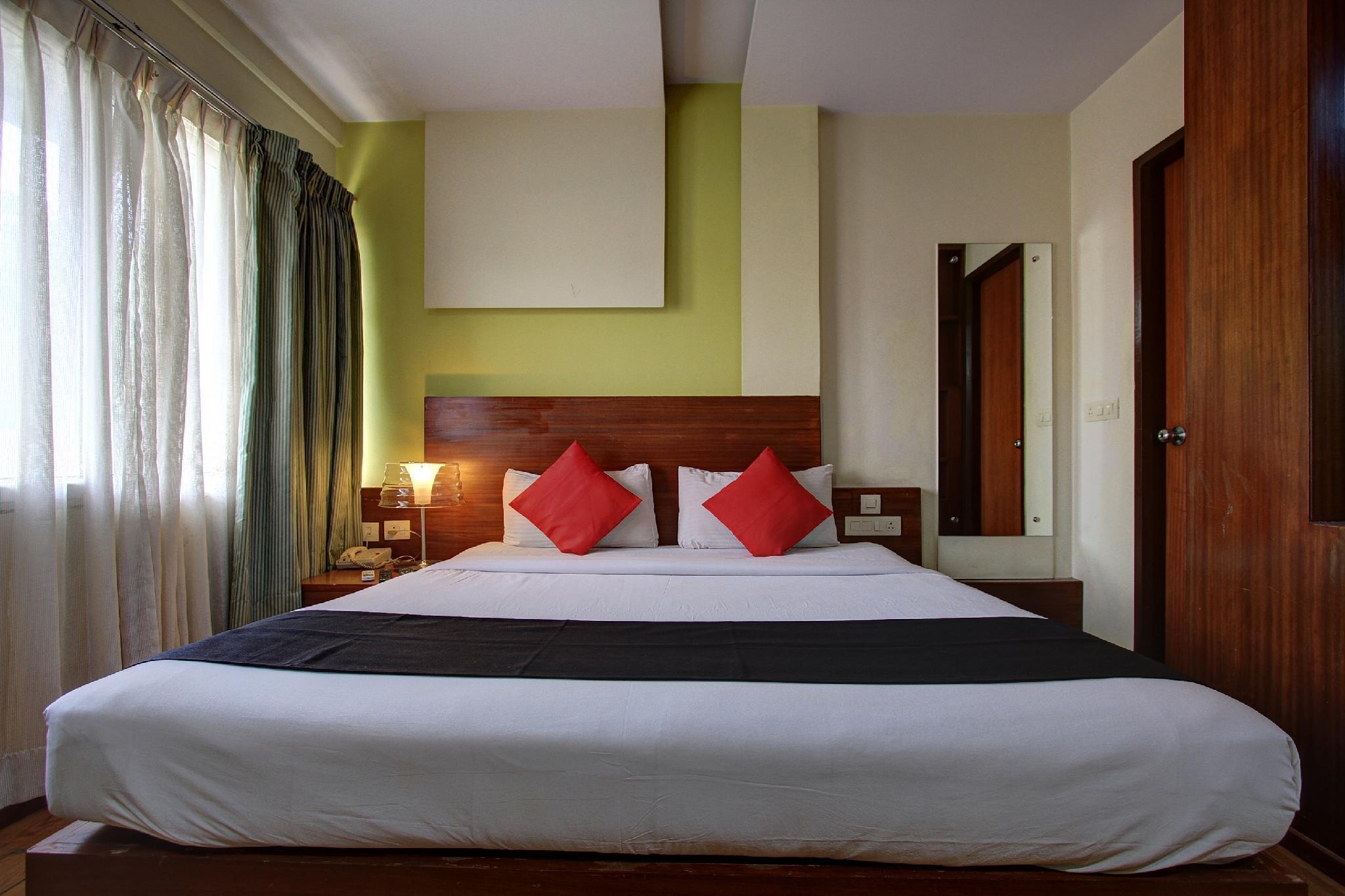 Capital O 66118 Hotel Rohini International