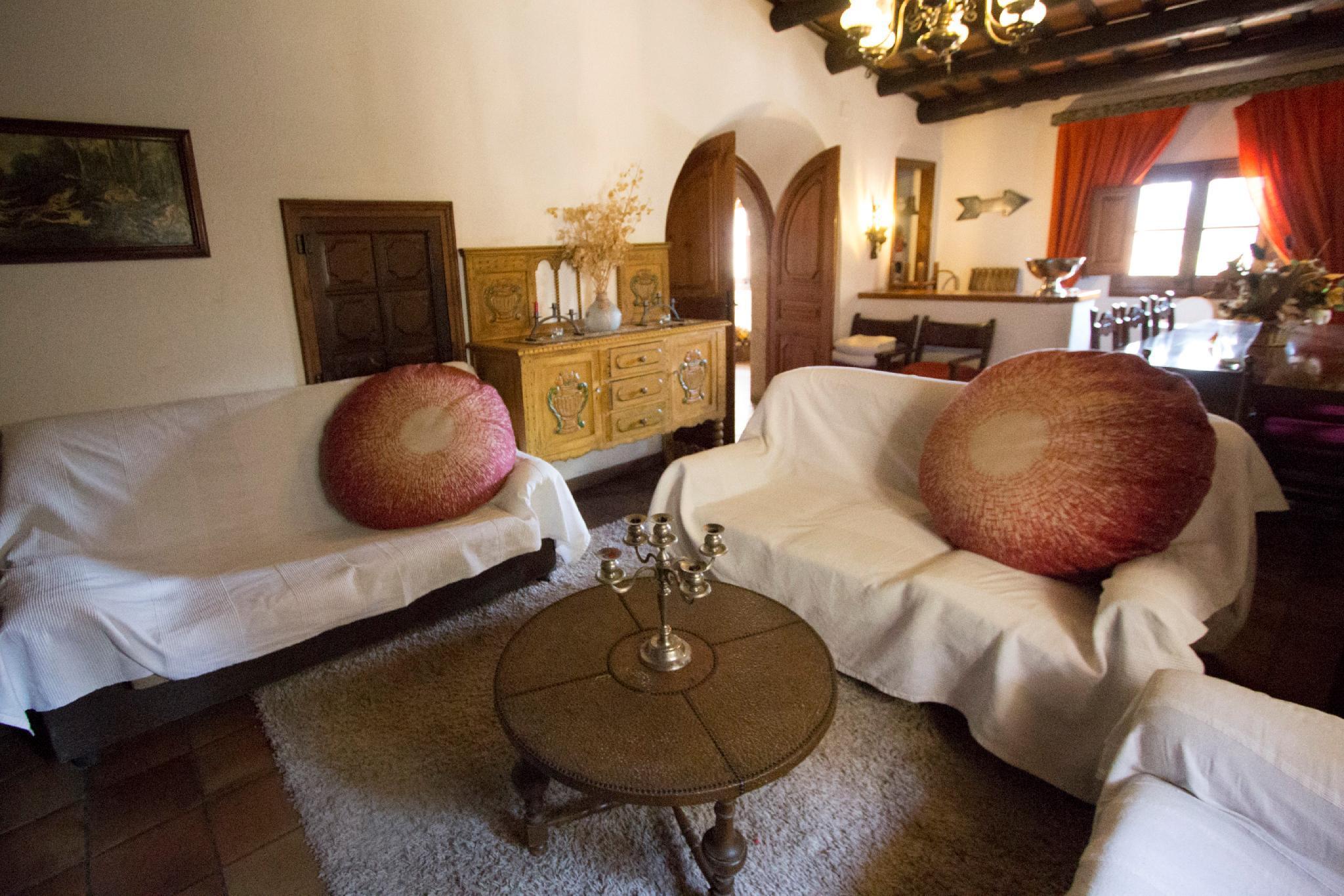 107587  Villa In Girona
