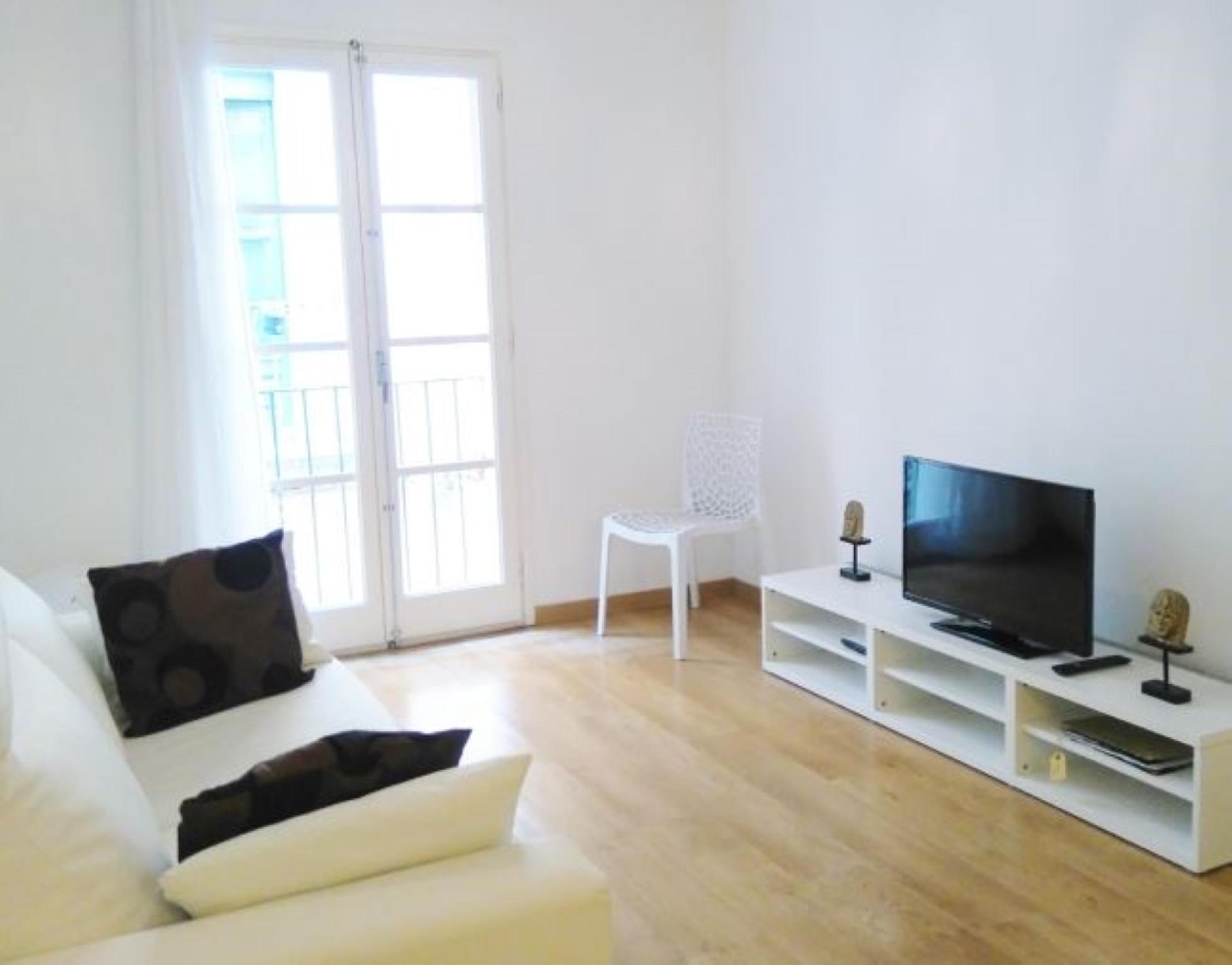 107160   Apartment In Girona