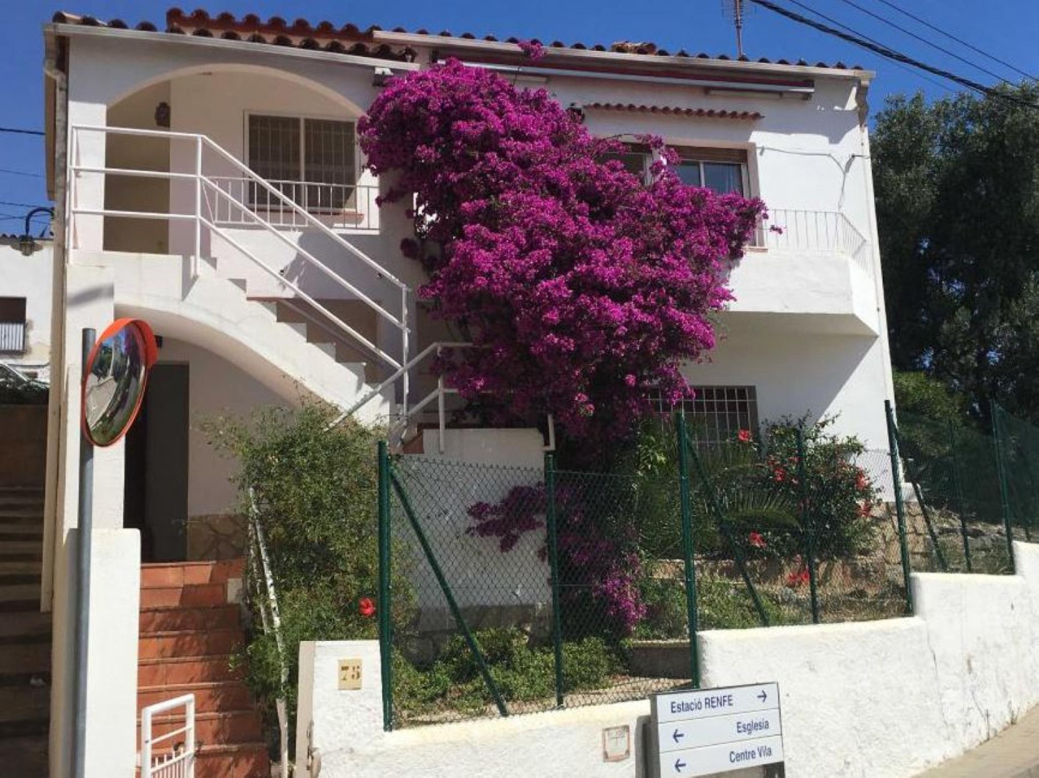 106304   House In Colera