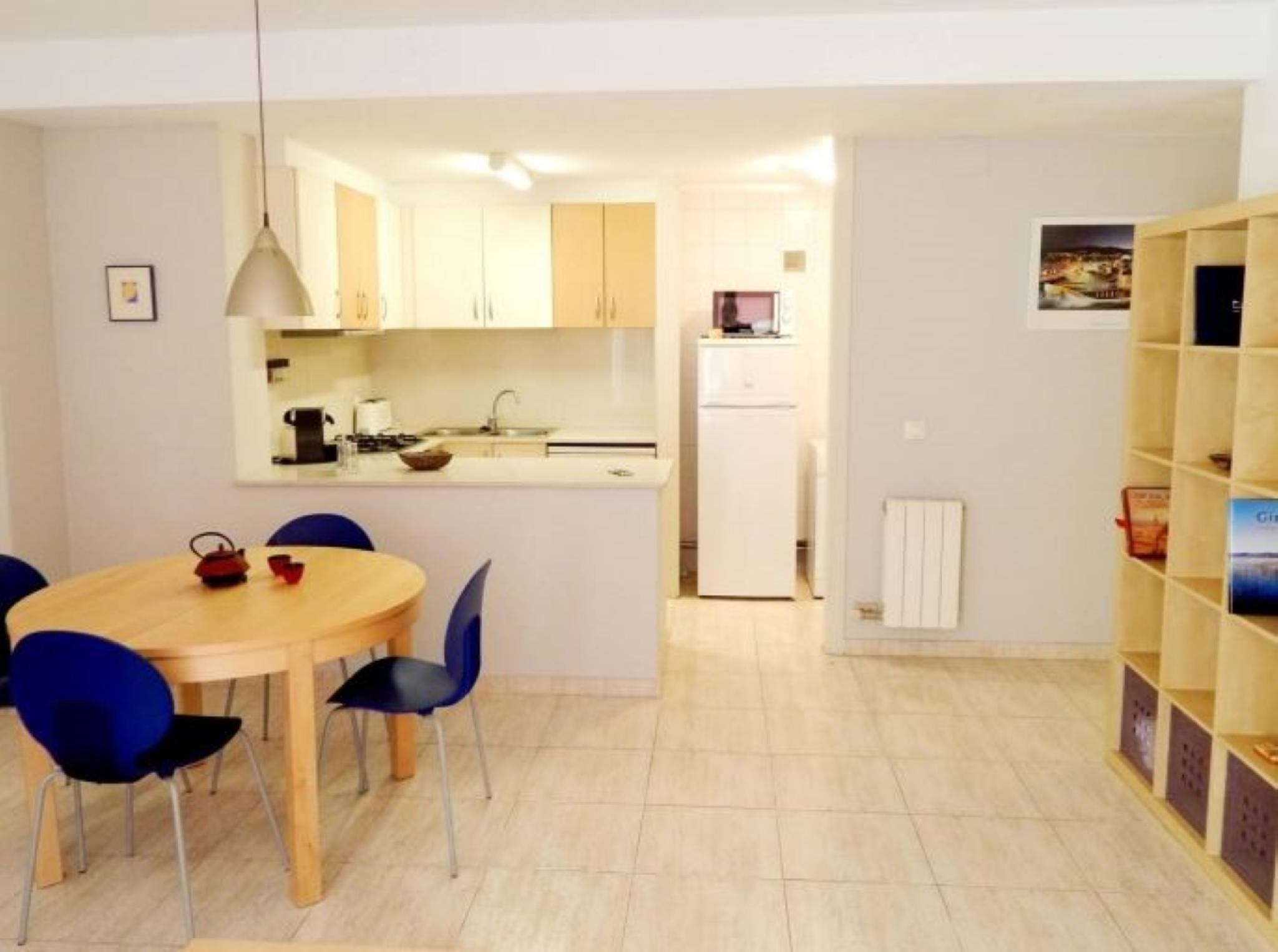 107183   Apartment In Girona