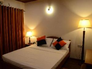 Heaven Seven Kandy Hotel