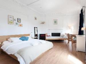 WOW! Barcelona Hostel