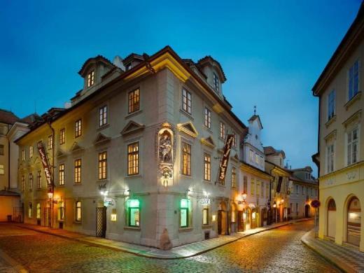 EA Residence U Bile Kuzelky