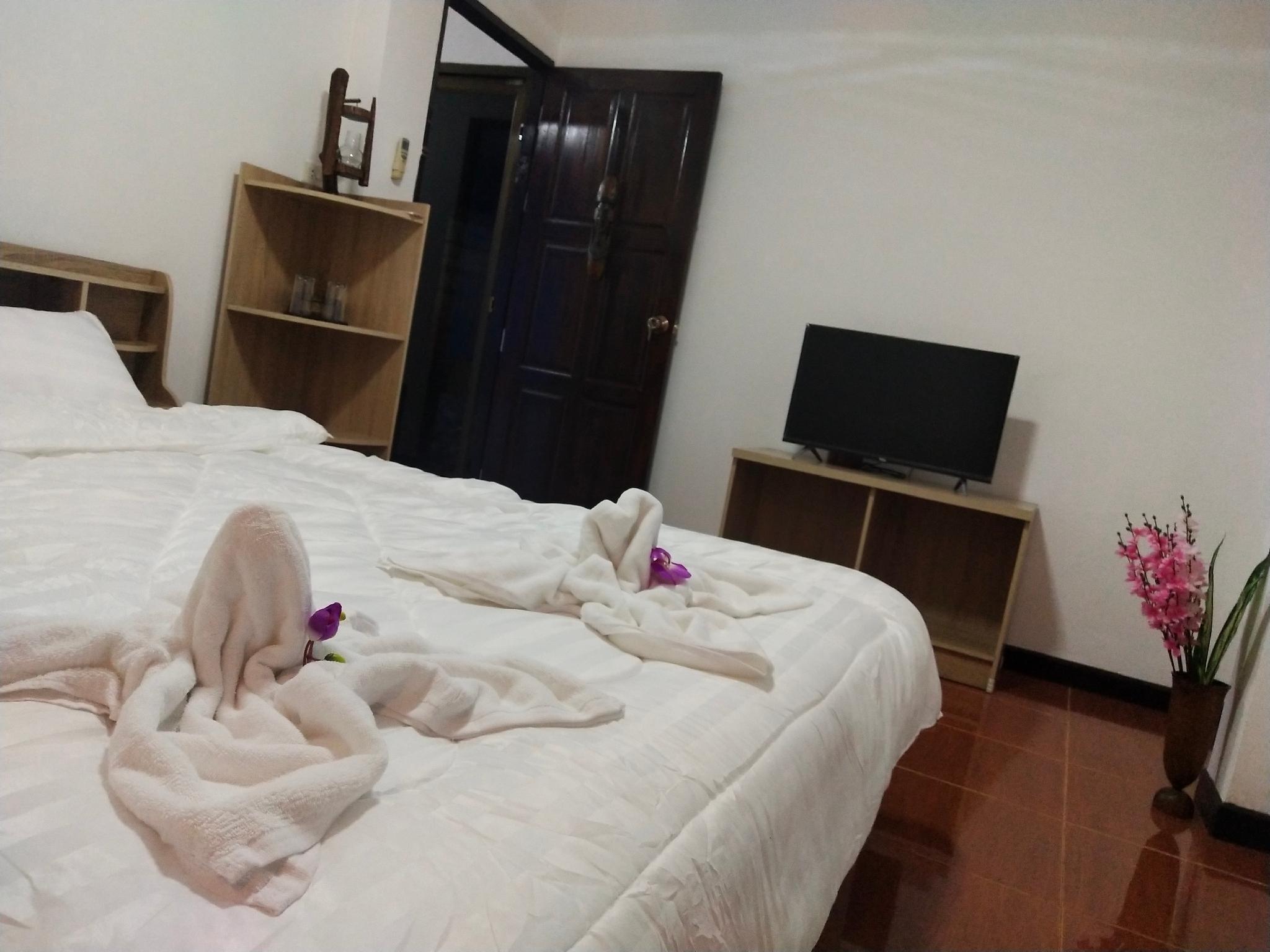 Califonia Guest House อพาร์ตเมนต์ 5 ห้องนอน 7 ห้องน้ำส่วนตัว ขนาด 120 ตร.ม. – เขตเมืองเก่า