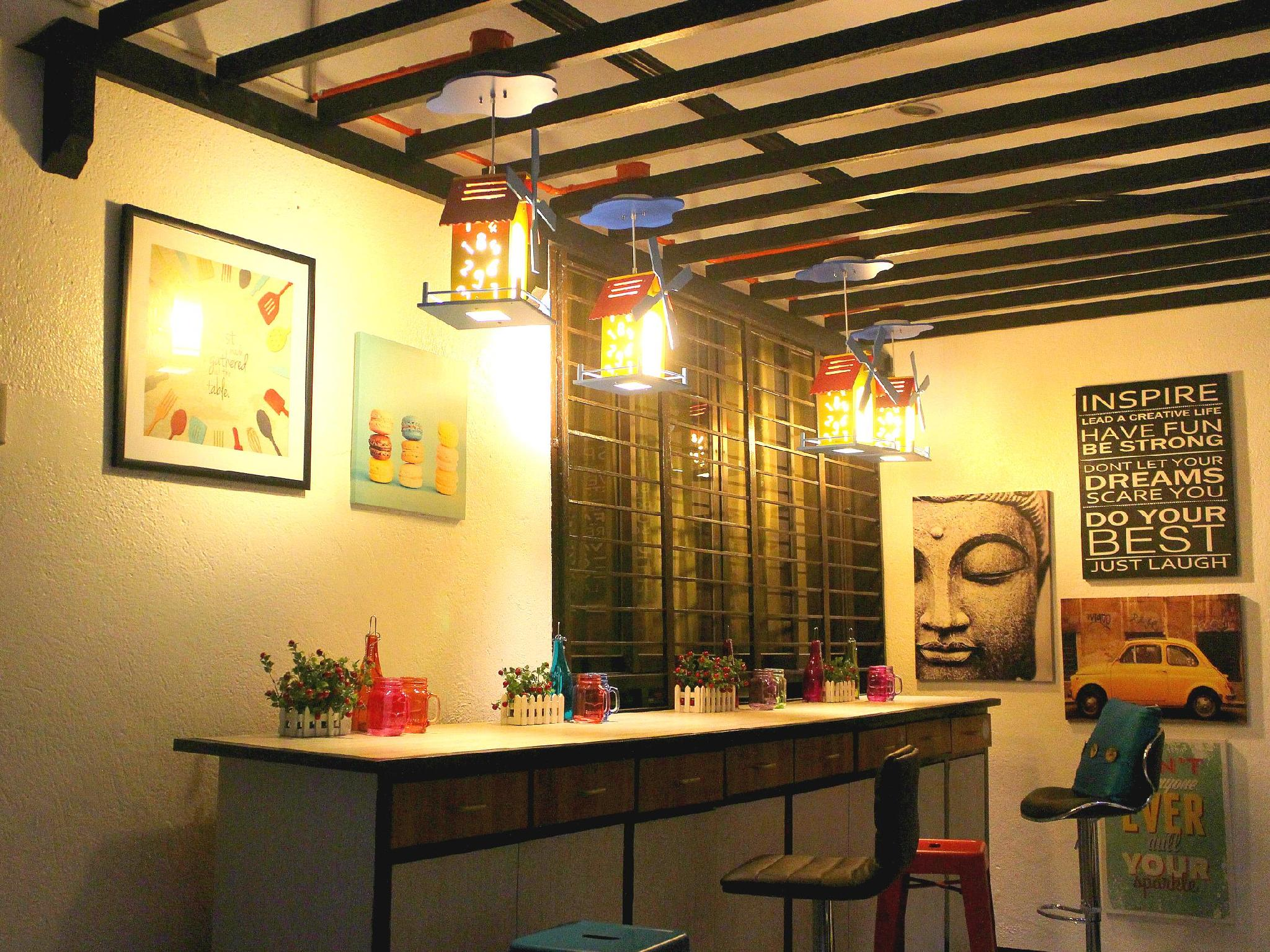 Mountain Breeze Hostel   Tagaytay Center