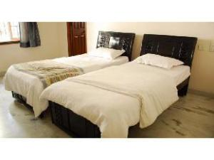 Vista Rooms near Kaveri Hills