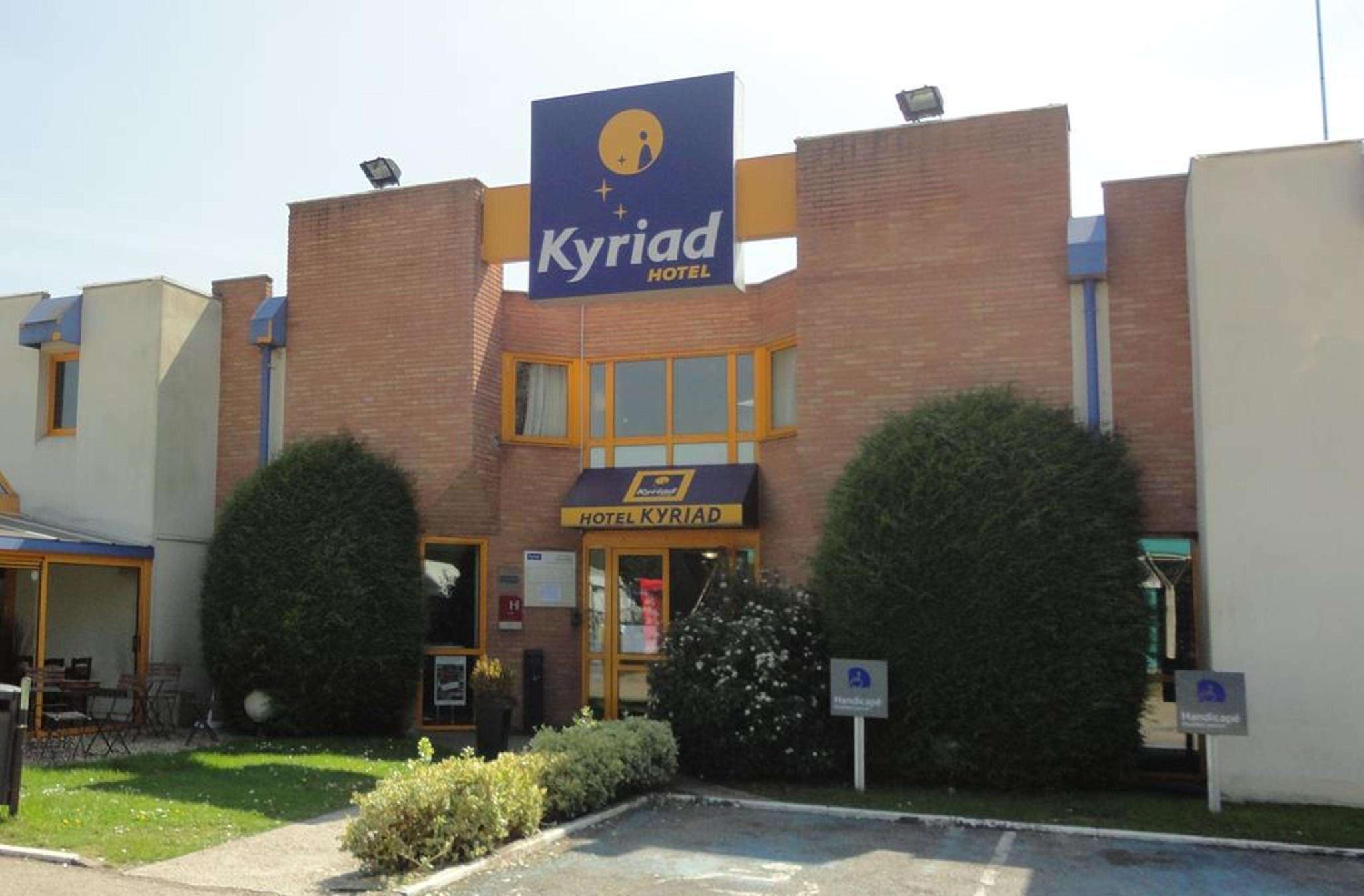 Kyriad Chantilly Hotel
