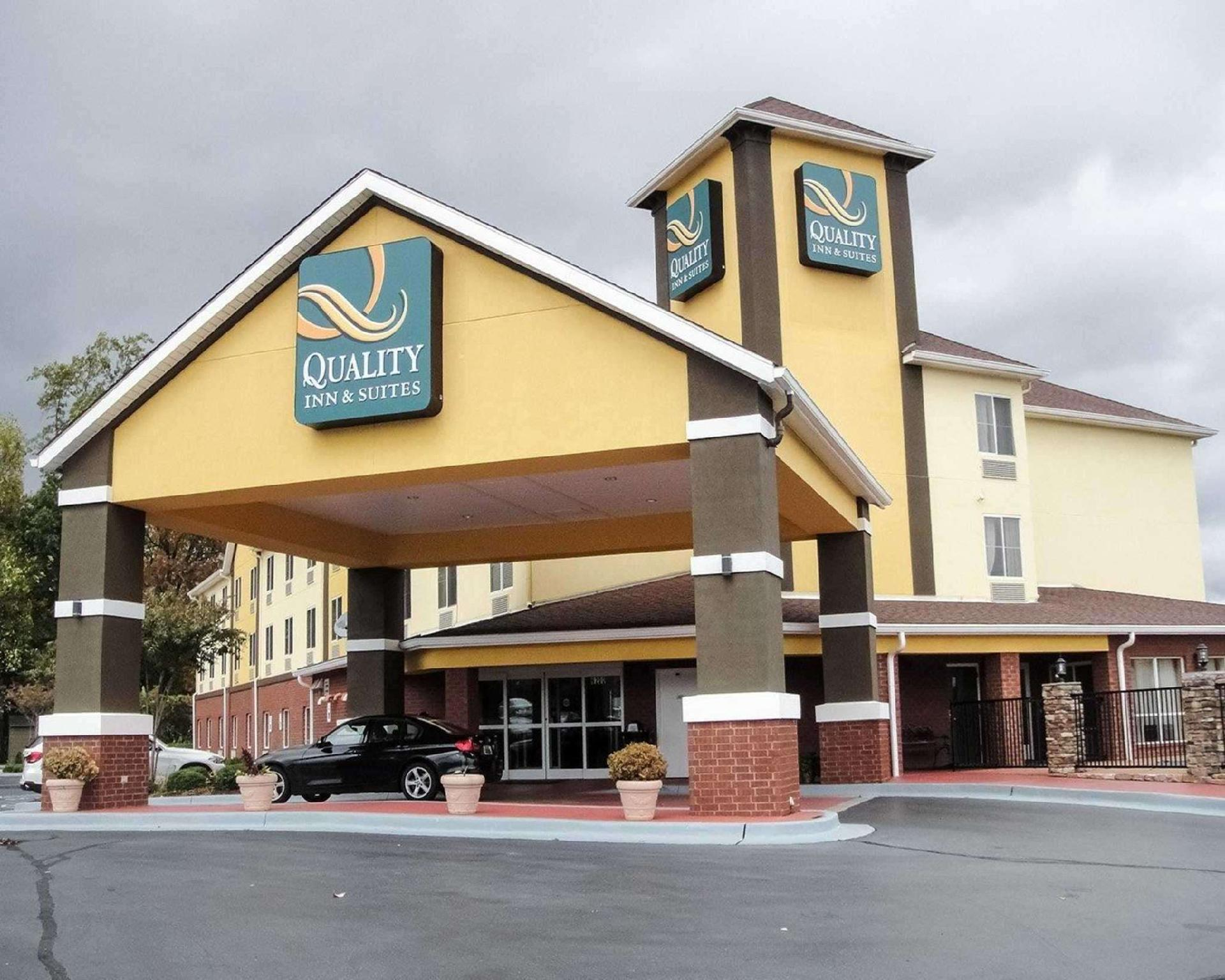 Quality Inn And Suites Huntsville Research Park Area