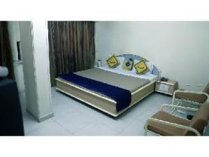 Vista Rooms @ Bhupendra Road