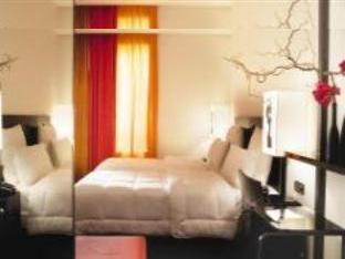 Small image of Le Chat Noir Design Hotel, Paris