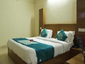 OYO Rooms Near Mall Road