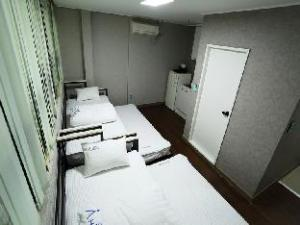Star Hostel Myeongdong Family