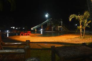 picture 3 of Toris Paradise