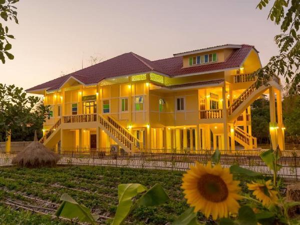 BanphrayaLanna Rimnam Chiang Mai