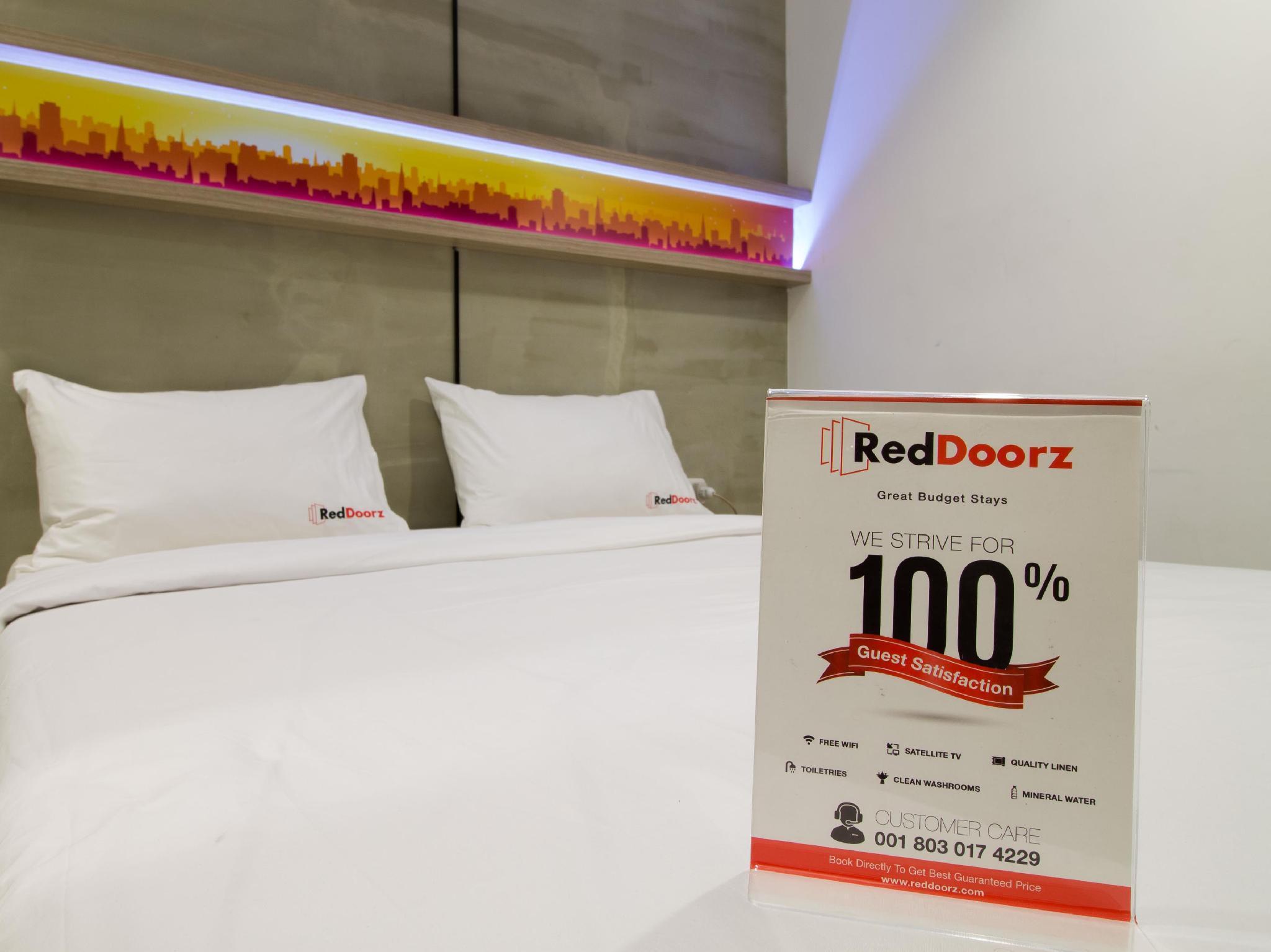 RedDoorz Plus @ Setiabudi Eight