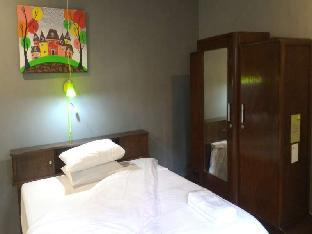 Jeng Tini Guest House