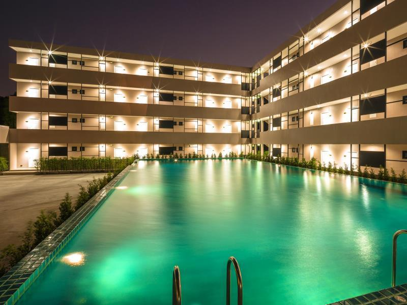 Blue Bay Phuket Resort บลู เบย์ ภูเก็ต รีสอร์ต