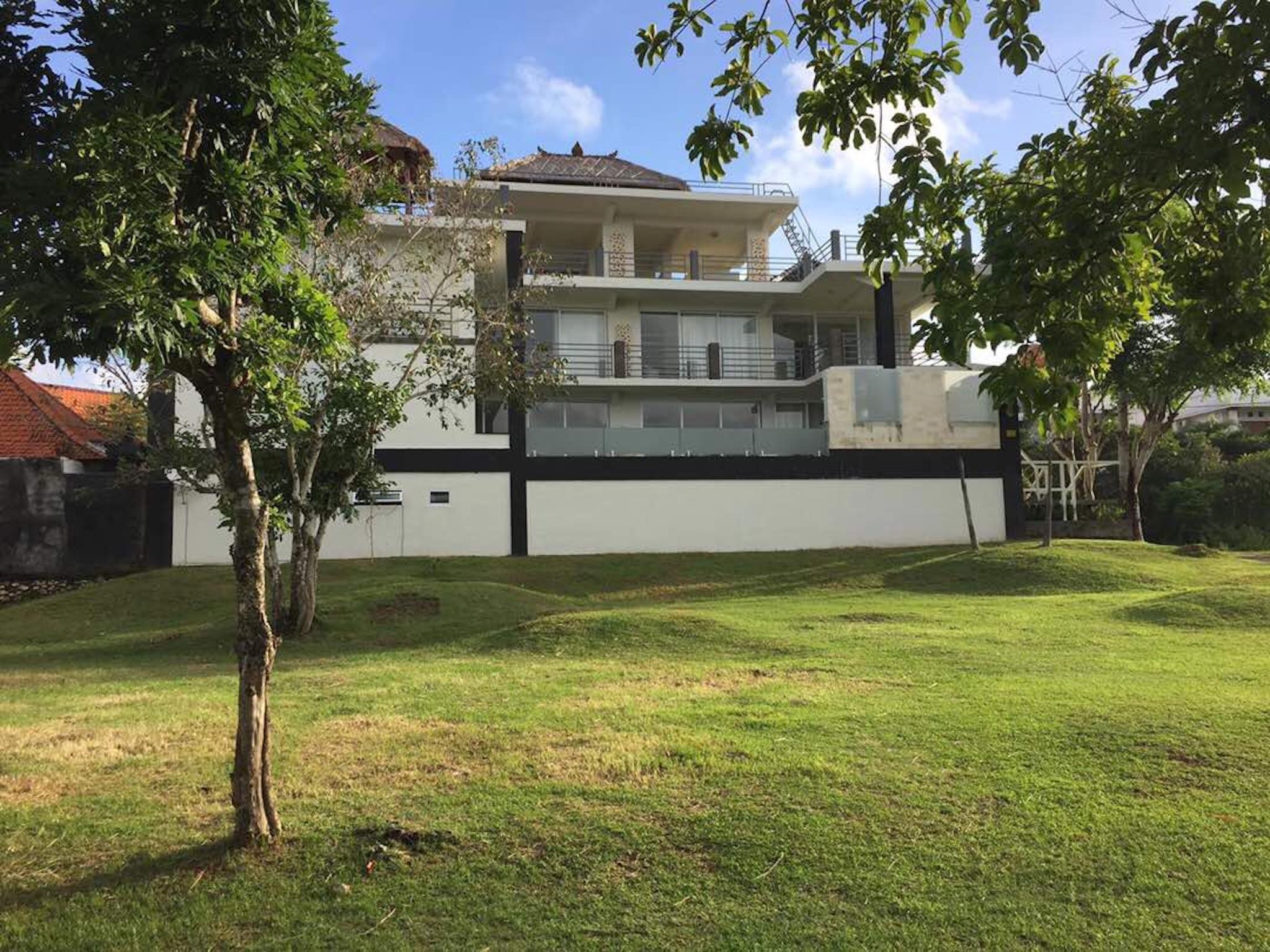 Tresna Private Villa