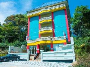Munnar Crown Hotel