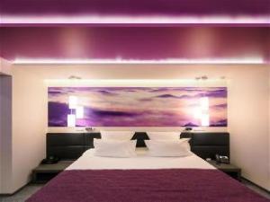 關於托斯托歌時尚風格飯店 (A Hotels Design Style On Tolstogo)
