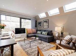 FG Property - West Kensington-Fulham - Modern 4 Bedroom