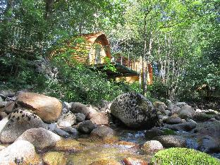 Фото отеля RiverBeds Lodges with Hot Tubs