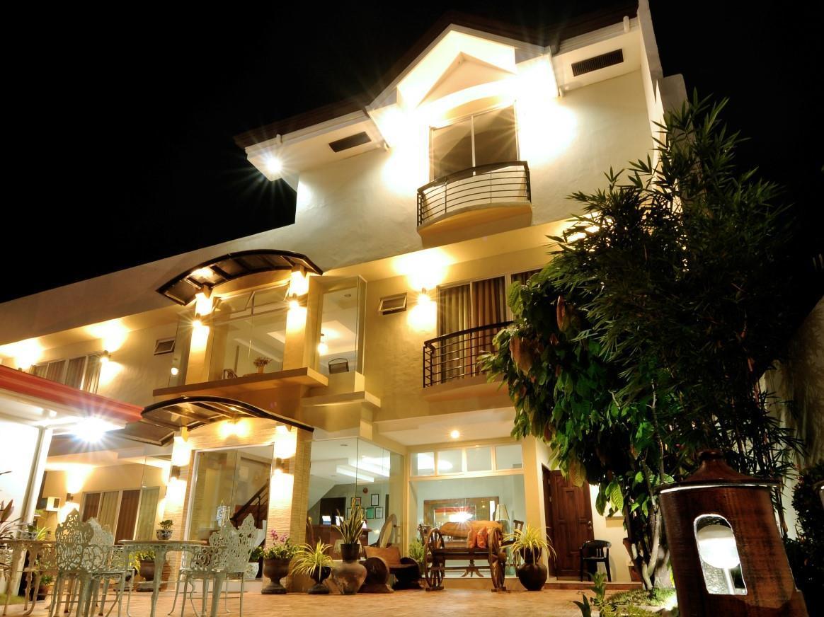 Harbour Gardens Tourist Inn