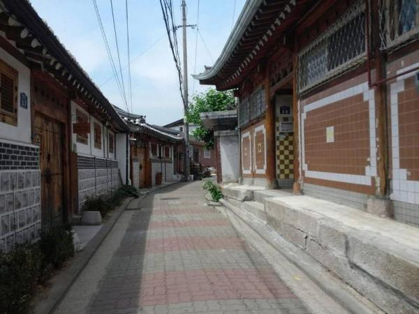 Pine Tree Hanok Stay Seoul
