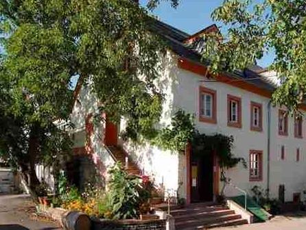 Hotel Und Weingut Karlsmuhle