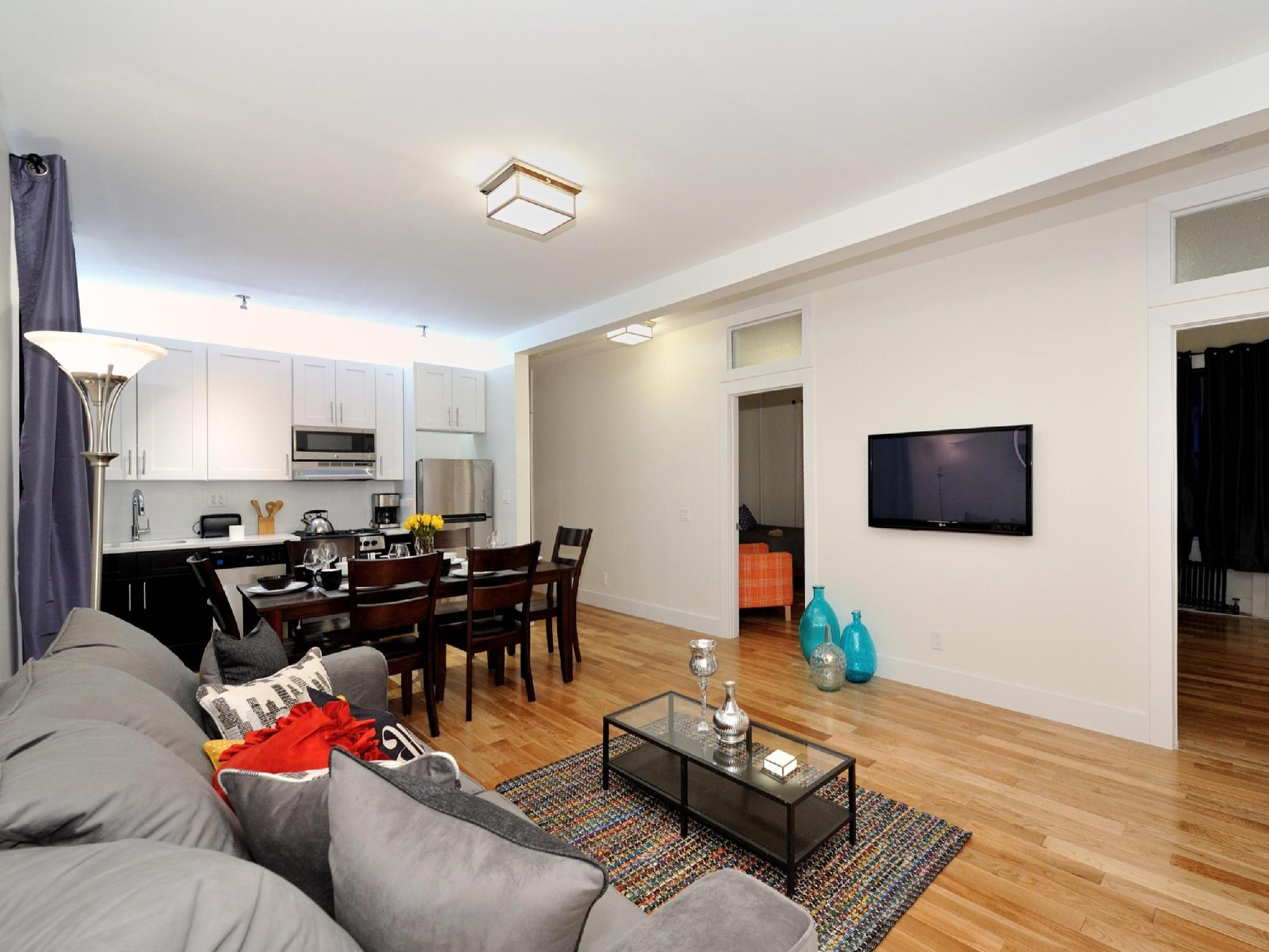 NYC Large 4BR 15 Min From Times Square