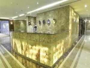 Crown Town Hotel Suites
