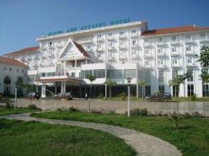 Linna Khách sạn Hoàng Anh Attapeu kohta (Hoang Anh Attapeu Hotel)
