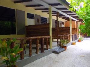Rasdhoo Island Inn Beachfront
