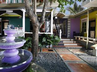 picture 3 of Purple Fountain Inn