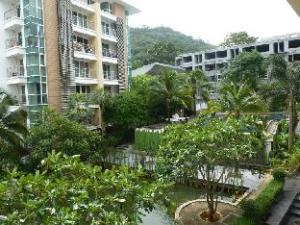 Royal Place Condominium by Kwan
