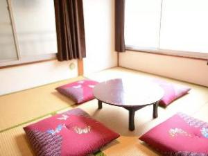 D 4 Bedroom Japanese House in Shinjuku Area