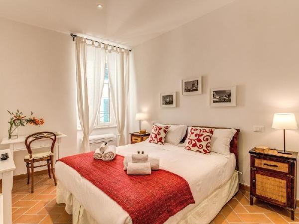 Piccolo Trevi Suites Rome