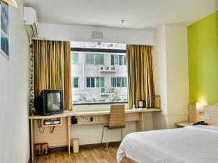 Фото отеля 7 Days Inn Tongliao Min Hang Road Branch