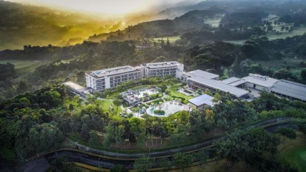 Royal Tulip Gunung Geulis Resort and Golf Puncak