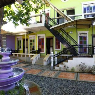 picture 1 of Purple Fountain Inn