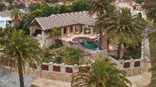 Island Way Villa - Luxury Accommodation