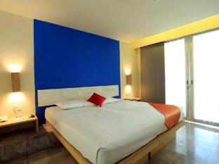RedDoorz Plus near Kuta Square - Bali