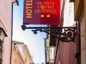 YH Giralda Hotel