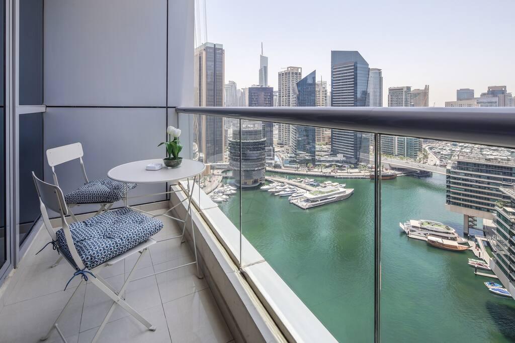 Marina Views  Beautiful 1BR In Dubai Marina