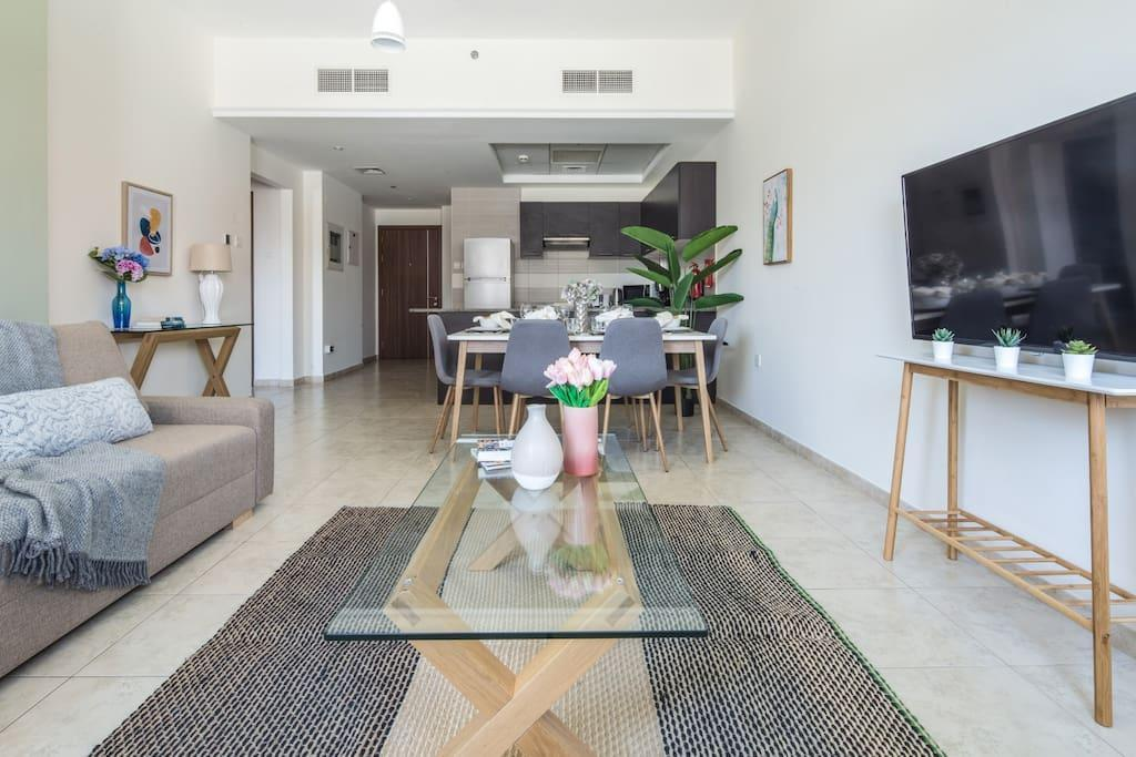 Affordable Luxury 2BR In The Heart Of JVT