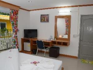 Mumsabai Apartment