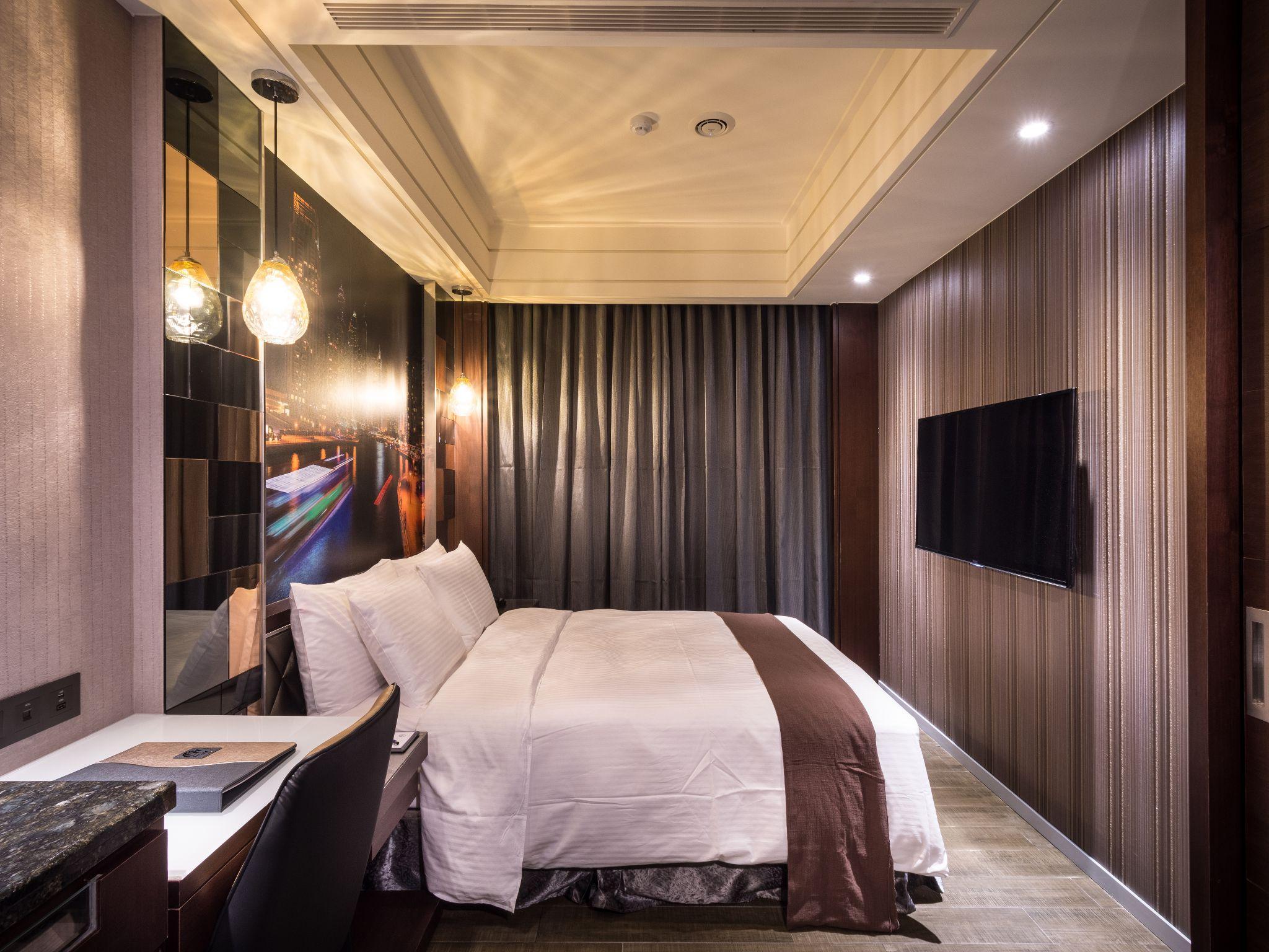 Moving Star Hotel 5