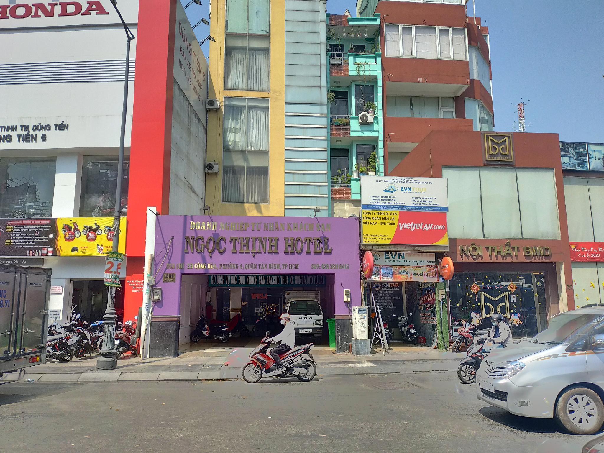 OYO 885 Ngoc Thinh Hotel